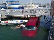 Au salvat o familie care cazuse cu masina in apa