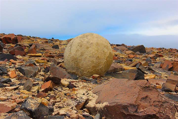 Bilele perfect sferice de pe insula Champ 2