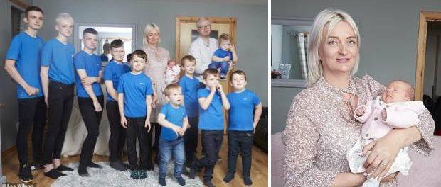 După 15 ani și zece băieți într-o famile britanică s-a născut o fetiță