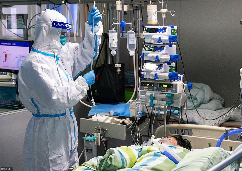 Pacient tratat de coronavirus în China