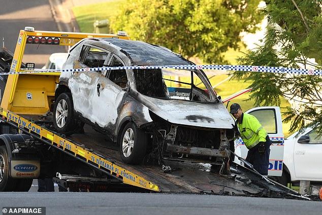 Mașina incendiată în care au ars de vii copiii