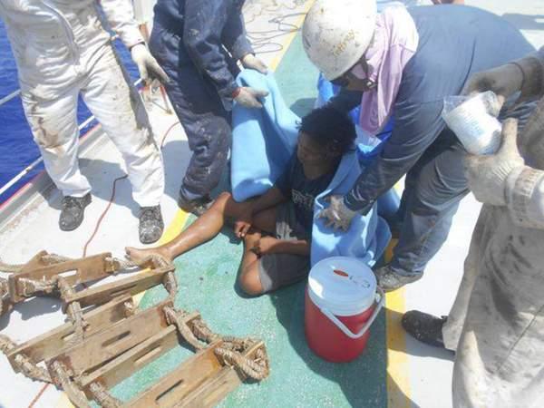 Tânar salvat dupa ce a plutit in deriva 49 de zile pe mare