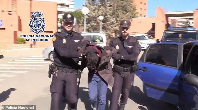 Poliția din Madrid l-a arestat pe canibalul care și-a ucis și tranșat mama