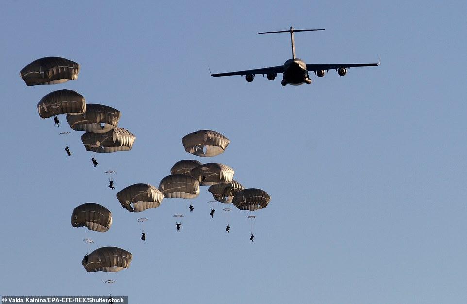 SUA va disloca 4000 de parașutiști în Kuweit în urma atacării ambasadei SUA din Bagdad