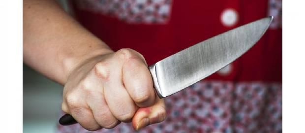 O femeie a tăiat penisul bărbatului care a încercat să o violeze