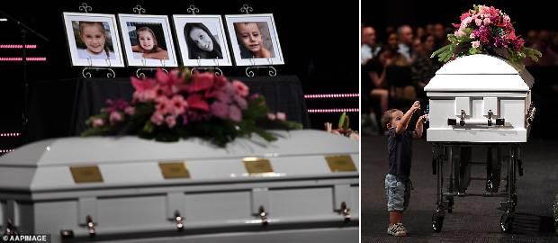 Mama și cei trei copii incendiați de soțul părăsit au fost înmormântați