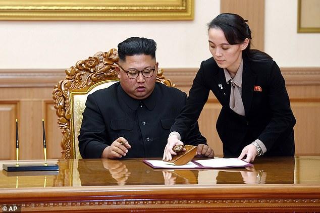 Experții sugerează că sora lui Kim Jong Un, Kim Io-jong ar fi succesoarea lui