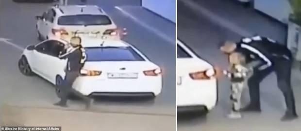 Fata, de patru ani, este urcată într-o mașină și răpită la o benzinărie